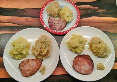 Kassler mit Kartoffelstampf und Sauerkraut