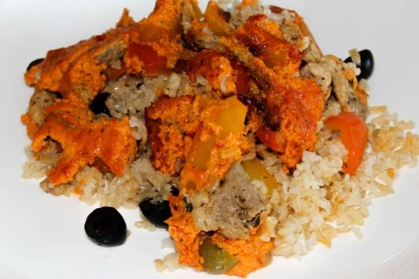Gyrosauflauf mit Paprika und Olivenreis