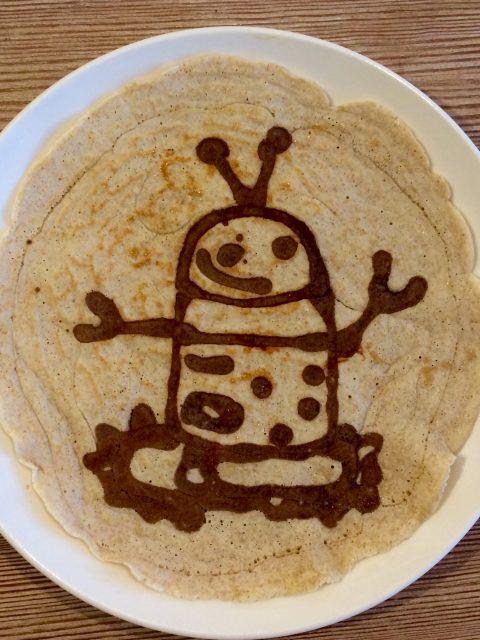 Robi der Roboter als Pfannkuchen