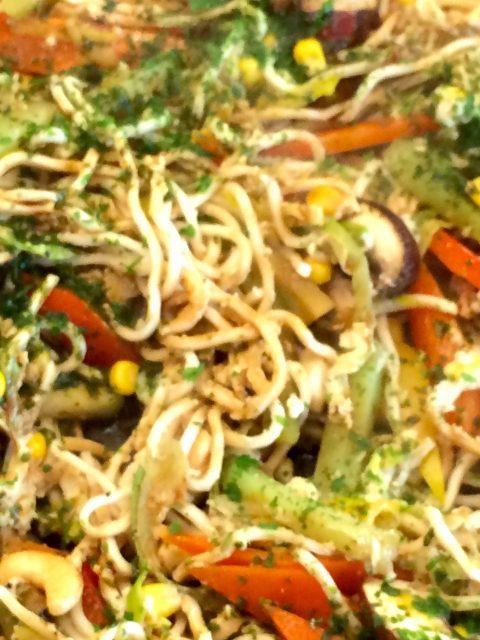 Gemüsepfanne mit Nudeln