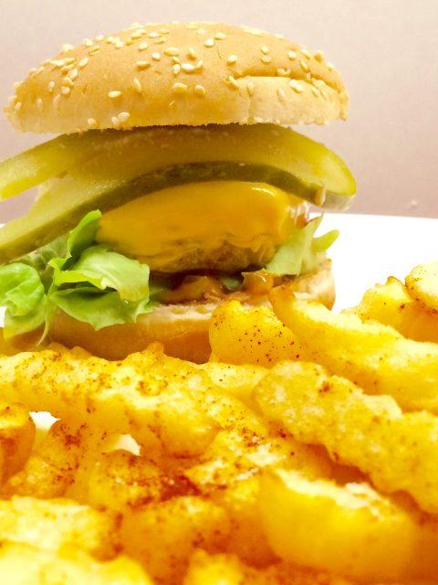 Hamburger mit Fritten