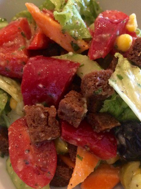 Salat mit Kartoffel Parmesan Dressing