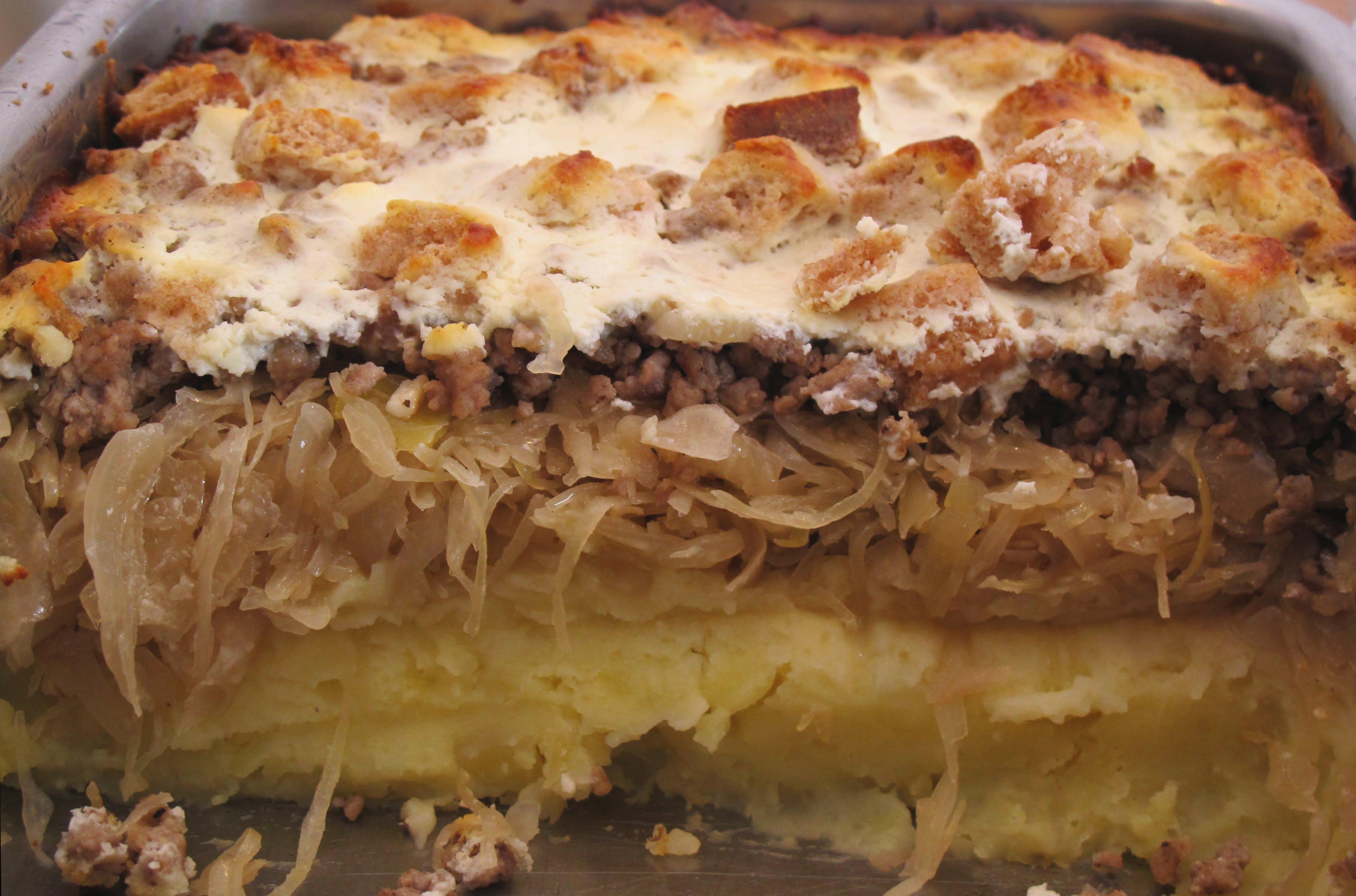 Sauerkrautauflauf mit Hackfleisch und Kartoffelpüree