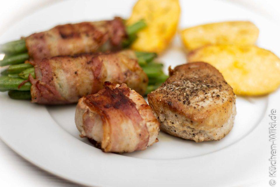 Schweinefilet mit Kartoffeln und Speckbohnen