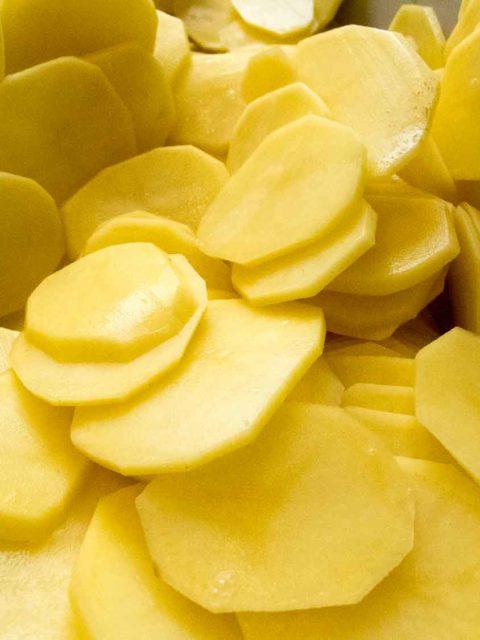 Kartoffeln in Scheiben